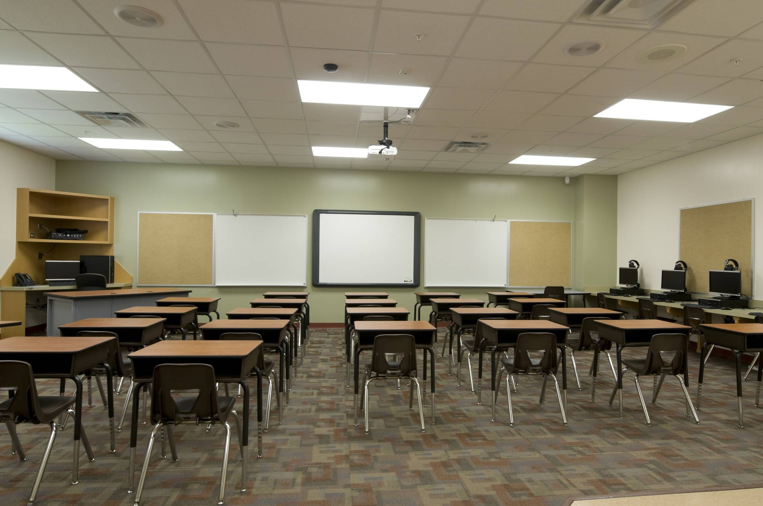 Does led lighting give an advantage to schools?